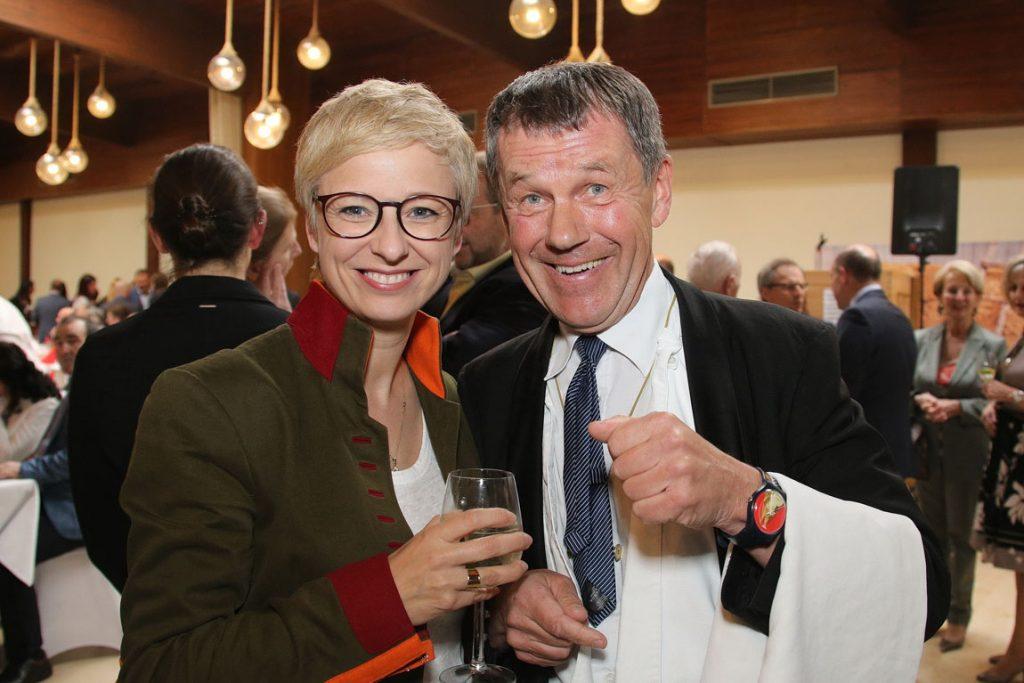 20190405-11 WKOÖ Präsidentin und Johann eventfoto